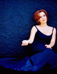 Gillian Anderson photographed by Albert Sanchez - 1999.