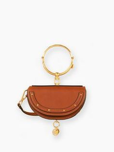 Discover Nile Minaudière and shop online on CHLOE Official Website. 3S1302H5H