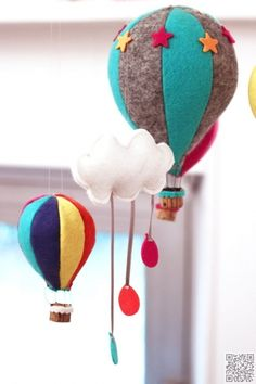 23. #Balloon Festival - 29 DIY #Mobile Projects for #Nimble Fingers ... → DIY #Easiest