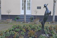 Breda, Kunstwerk HET STEIGERENDE BOKJE, Willem Merkxtuin