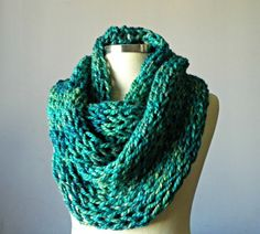Knitted Cowl Scarf Neck Warmer, Green Handmade winter, fall women accessories, christmas gift idea, chunky infinity cowl