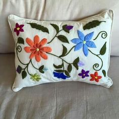 """""""Dos Juanitas"""" Mexican Embroidery, Embroidery Needles, Hand Embroidery Stitches, Crewel Embroidery, Hand Embroidery Designs, Embroidery Patterns, Crochet Baby Shoes, Needlework, Throw Pillows"""