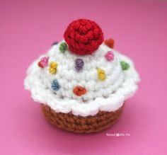 Crochet Cupcake - Repeat Crafter Me