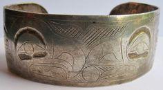 VINTAGE TLINGIT INDIAN STERLING SILVER BIRDS & WHALE TAIL CUFF BRACELET