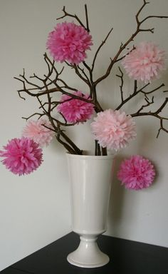 Party poms - tree home - inspiration wedding decorations, fl Tissue Pom Poms, Tulle Poms, Paper Pom Poms, Tissue Paper Flowers, Flower Decorations, Wedding Decorations, Centerpiece Wedding, Vase With Branches, Deco Floral