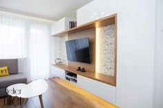 Realizacja mieszkania w bloku z wielkiej płyty - salon z miejscem do pracy.  #atelierlillet #projektowaniewnetrz #szczecin #projetyszczecin #architektwnetrz