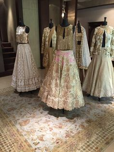 End Customization with Hand Embroidery & beautiful Zardosi Art by Expert & Experienced Artist That reflect in Blouse , Lehenga & Sarees Designer creativity that will sunshine You & your Party. India Fashion, Ethnic Fashion, Asian Fashion, Women's Fashion, Indian Bridal Wear, Pakistani Bridal, Bride Indian, Indian Wear, Pakistani Outfits