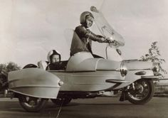 Cezeta Vintage Racing, Retro Vintage, Moto Scooter, Scooter Custom, Old Motorcycles, Vespa Lambretta, 3rd Wheel, Small Cars, Amazing Cars