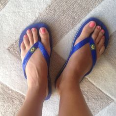 Havaianas - women's blue flip flops The most comfortable flip flip ever!! Never worn, brand new! Pretty blue with very popular Brazil flag on the top. Size 37-38. I'm a 7 or 7.5 an they fit perfect! Havaianas Shoes