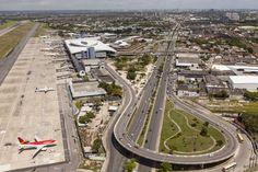 "* Recife, Pernambuco. Brasil * ""Aeroporto Internacional dos Guararapes"" à esquerda."