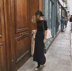 cocoen, French style inspiration for women who want wardrobe ideas inspired by parisian fashion. Covet Fashion, Girl Fashion, Fashion Outfits, Womens Fashion, Look Boho, Brunch Outfit, Parisian Style, Parisian Fashion, Tie Dress