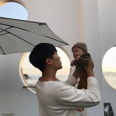 Baby and daddy sleeping children 24 Ideas Cute Asian Babies, Korean Babies, Asian Kids, Cute Babies, Father And Baby, Dad Baby, Baby Kids, Baby Boy, Ulzzang Kids