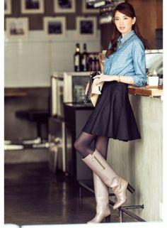 黒スカートとつないでも、重くならず華やか | ファッション コーディネート | with online on ウーマンエキサイト