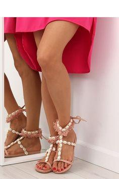 Sandale romane cu scoici si franjuri