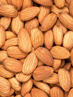 The Top 8 Superfoods for Gorgeous Skin and Hair: find out more about the benefits of almonds Health And Wellness, Health And Beauty, Almond Benefits, Best Superfoods, Cafe Art, Inspirational Wallpapers, Dried Fruit, Flower Wallpaper, Beauty Trends