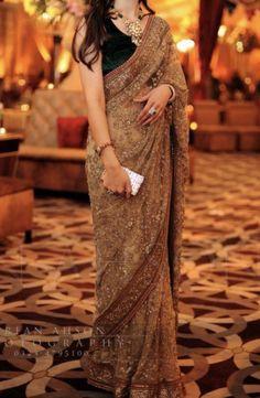 Pakistani Fancy Dresses, Indian Fashion Dresses, Fancy Sarees, Fancy Dress Design, Bridal Dress Design, Stylish Dress Designs, Cotton Saree Blouse Designs, Saree Blouse Patterns, Anarkali