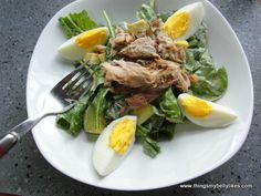 You wont believe how many healthy fats are in this plate of salad!