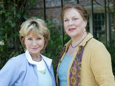 """Rosemary"" on the left always looks great! Felicity Kendall and Pam Harris in ""Rosemary & Thyme"" BBC series Pbs Mystery, Mystery Show, Detective, Felicity Kendal, Midsomer Murders, Keeping Up Appearances, Bbc Tv, Cozy Mysteries, Murder Mysteries"