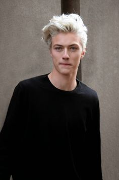 "ダー様、学生時代。やっぱりおしゃれ✨                                        damplaundry: "" Lucky Blue Smith at MFW F/W 2015 by Sam Cosmai """
