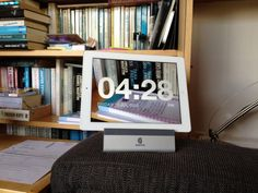 Chameleon Clock for iPhone and iPad