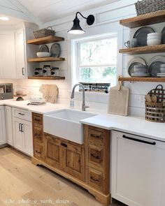 "Farmhouse Homes 🏡 on Instagram: ""What do you think of this cute farmhouse kitchen? 😍 We really like the split cabinets and open shelves! 🧡 TAG a friend who will love this…"""