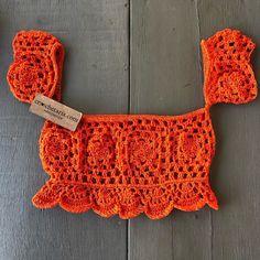 Natural Crochet Off Shoulder Crop Top Of - maallure Crochet Crop Top, Crochet Blouse, Crochet Bikini, Diy Clothing, Sewing Clothes, Crochet Clothes, Crochet Designs, Crochet Patterns, Bralette Pattern