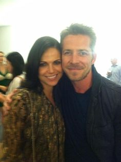 """Sean Maguire via Twitter - 2014 May 12 - """"Hang in there #outlawqueen fans the course of true love never runs smooth. Great to see you @C t x  #ouat pic.twitter.com/QTx6EPzA2E"""""""