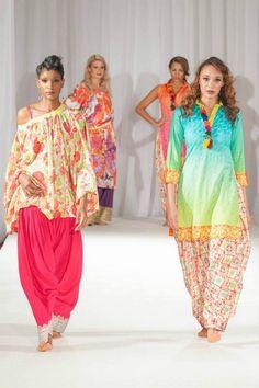 Kiran Komal Collection 2013 2014 At Pakistan Fashion Week 5 0015 shows Pakistani Fashion 2014, Pakistani Outfits, Indian Outfits, Indian Clothes, Vogue Fashion, Fashion News, Pakistan Fashion Week, Hair Styles 2014, Stylish Dresses
