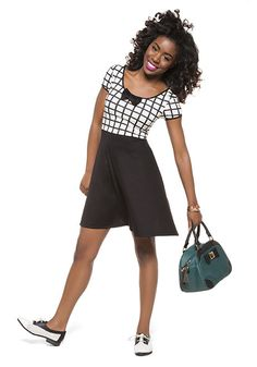 I've got a crush on this look from the ModCloth Style Gallery! The dress, the shoes, and this bag!? All perfect.