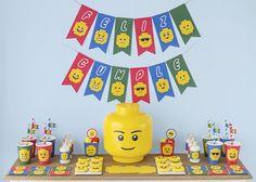 """¡Por fin! Después de mucho tiempo en mi lista de """"tareas pendientes"""" he preparado un kit de fiesta gratuito de Lego . Y además lo preparé..."""