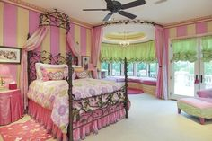 Little girls dream room. Bay window with window seat and ...