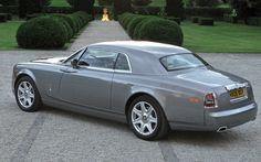 Rolls-Royce Phantom Coupé (2010).