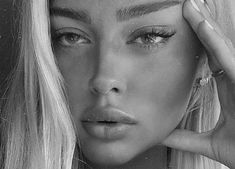 Find images and videos about girl, beautiful and pretty on We Heart It - the app to get lost in what you love. Beauty Makeup, Hair Makeup, Hair Beauty, Makeup Art, Instagram Cara, Tmblr Girl, Insta Photo Ideas, Natural Makeup Looks, Aesthetic Makeup