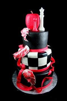 twilight book covers on a cake... pretty neat!