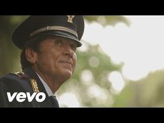 Gianni Morandi - Solo insieme saremo felici - YouTube    Just a lovely song
