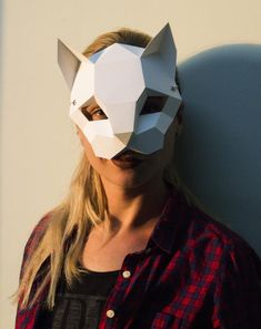 Papercraft CAT MASK halloween festival pepakura carnival Low Poly Paper DIY face cover gift for party template polygonal masquerade kitty Cardboard Mask, Cardboard Box Crafts, Paper Crafts Origami, Foam Crafts, Cute Halloween Costumes, Halloween Masks, Halloween Diy, Paper Mask, 3d Paper