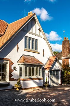 Heritage windows and doors, hand-built in uPVC. Timberlook flush sash windows have traditional features & period character, perfect for conservation areas. Timber Windows, Casement Windows, Windows And Doors, Grey Windows, Modern Bungalow Exterior, Exterior House Colors, Sash Windows London, Rendered Houses, Modern Properties