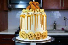 I've made chicken and waffle cupcakes before, but had yet to man up and make a chicken and waffles cake! After trying Blue Ribbon Fried Chicken's amazing chicken, I knew what had to be …