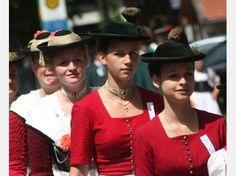 Mit dem großen Festzug erlebte das 85. Loisachgaufest am Sonntag seinen prachtvollen Höhepunkt.©Matthäus Krinner #Miesbach