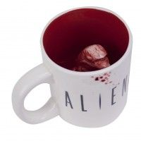 Alien Chestburster Mug - featuring something you really don't want to find in the bottom of your coffee mug, but for Alien fans (like us) this is awesome. Alien Origin, Gifts For Hunters, Christmas Gifts For Girlfriend, Xenomorph, Alter, Cool Art, Cool Stuff, Awesome Things, Coffee Mugs