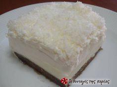 Εξαιρετική συνταγή για Χιονάτη της μαμάς. Ένα γλυκό πανεύκολο, άσπρο (εξ ού και το ονομά του), δροσερό, κατάλληλο για όλες τις ώρες και τις περιστάσεις!!! Το φτιάχνει η μαμά μου και το λατρεύω!!! Recipe by Eleni_samos Greek Sweets, Greek Desserts, Greek Recipes, Desert Recipes, Easy Desserts, Greek Cake, Fridge Cake, Easy Sweets, Chocolate Sweets