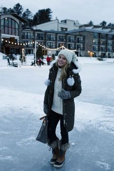 chicago winter outfits Top 10 Reasons To Visit Lake Placid In The Winter By Styled Snapshots Winter Travel Outfit, Cute Winter Outfits, Winter Fashion Outfits, Autumn Winter Fashion, Outfit Winter, Snow Outfits For Women, New York Winter Outfit, Winter Packing, Snow Fashion