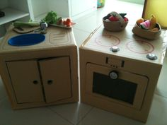 DIY cardboard kitchen sink, stove and oven for my daughter