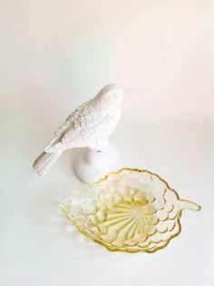Depression Glassware Bowl-Yellow Grapes