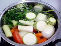 Caldo de legumes caseiro