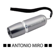 URID Merchandise -   Lanterna Onex   5,7 http://uridmerchandise.com/loja/lanterna-onex/