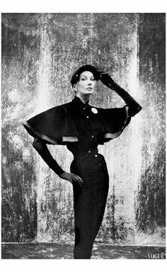 Barbara Goalen 1951 photo by John Deakin