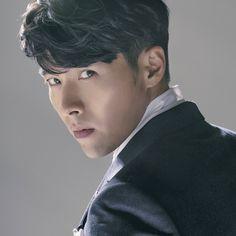 Hyun Bin - Cine21 Magazine No.950