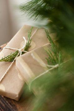 DIY: Christmas Gift Wrapping