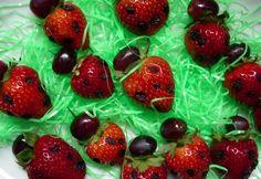 Ladybugs on a Stick(--Tasty Dish--)